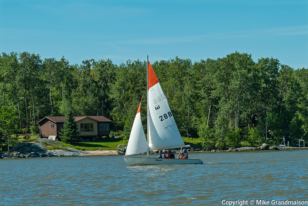 Sailing on Lake of the Woods<br />