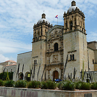 EN&gt; A view of the colonial church of Santo Domingo in Oaxaca, Mexico | <br /> SP&gt; Vista del templo colonial de Santo Domingo en Oaxaca (M&eacute;xico)
