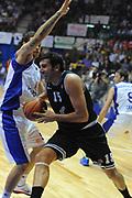 DESCRIZIONE : Desio Eurolega 2011-12 EA7 Bennet Cantu Bizkaia Bilbao Basket<br /> GIOCATORE : Alex Mumbru<br /> CATEGORIA : palleggio penetrazione sequenza<br /> SQUADRA : Bizkaia Bilbao Basket<br /> EVENTO : Eurolega 2011-2012<br /> GARA : Bennet Cantu Bizkaia Bilbao Basket<br /> DATA : 03/11/2011<br /> SPORT : Pallacanestro <br /> AUTORE : Agenzia Ciamillo-Castoria/GiulioCiamillo<br /> Galleria : Eurolega 2011-2012<br /> Fotonotizia : Desio Eurolega 2011-12 Bennet Cantu Bizkaia Bilbao Basket<br /> Predefinita :
