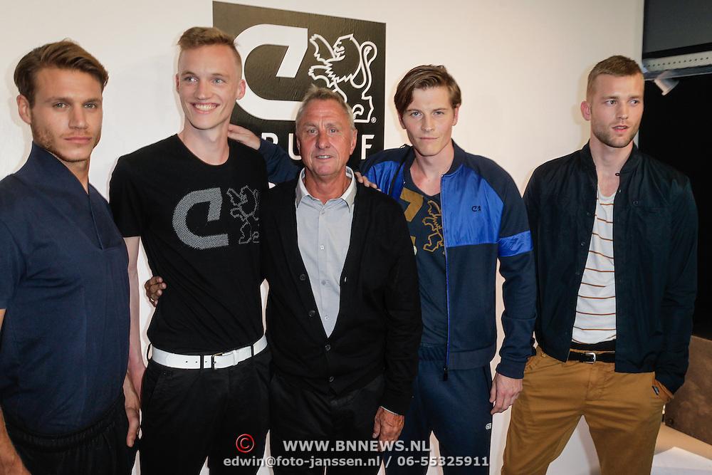 NLD/Amsterdam/20120531 - Presentatie kledinglijn Johan Cruijff Apparel Collection, Johan Cruijff tussen zijn modellen