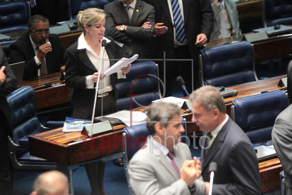 Brasilia, 01/04/2014. Senadora Gleisi Hoffman pede a impugnacao da instalacao da CPI da petrobras no plenario do senado.Foto: Joel Rodrigues/FRAME