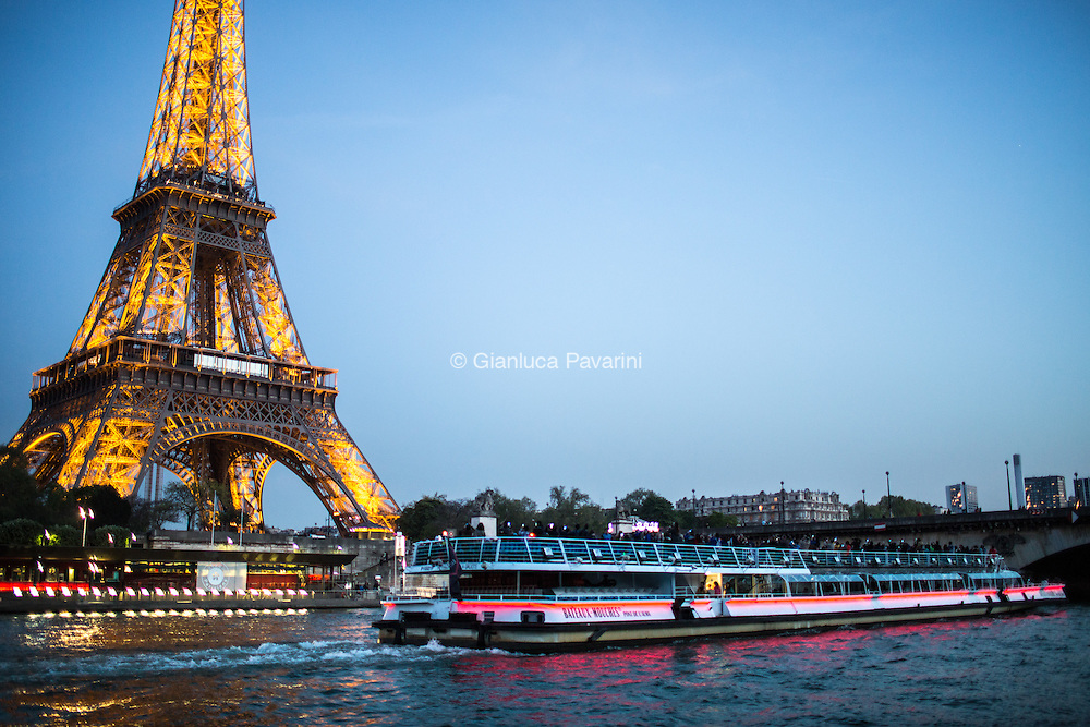 Paris landscapes, Tour Eiffel vista serale.<br />