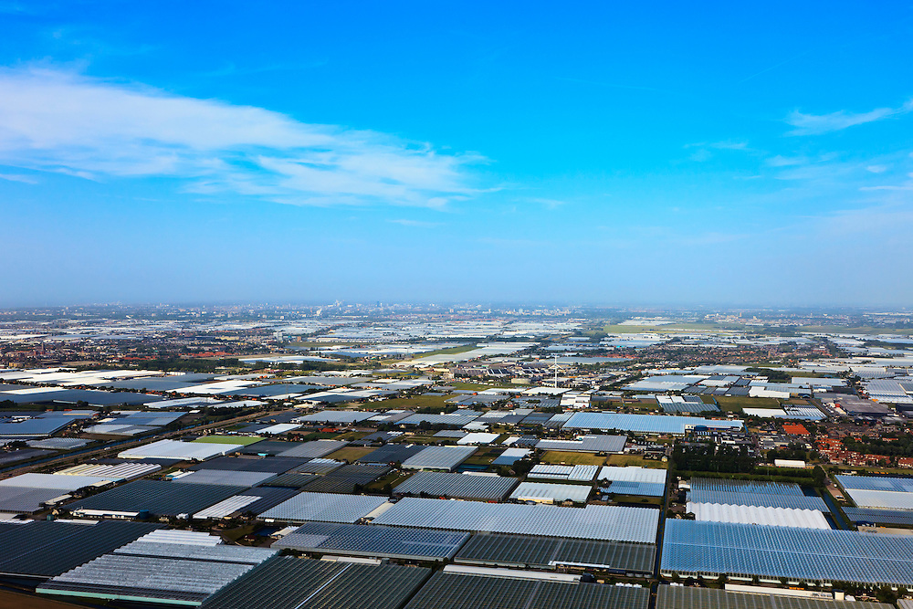 Nederland, Zuid-Holland, Gemeente Naaldwijk, 23-05-2011; Kassengebied Westland, Glazen stad.Greenhouses area in the West of the Netherlands, the heart of the production of vegetables and fruit for export..luchtfoto (toeslag), aerial photo (additional fee required).copyright foto/photo Siebe Swart