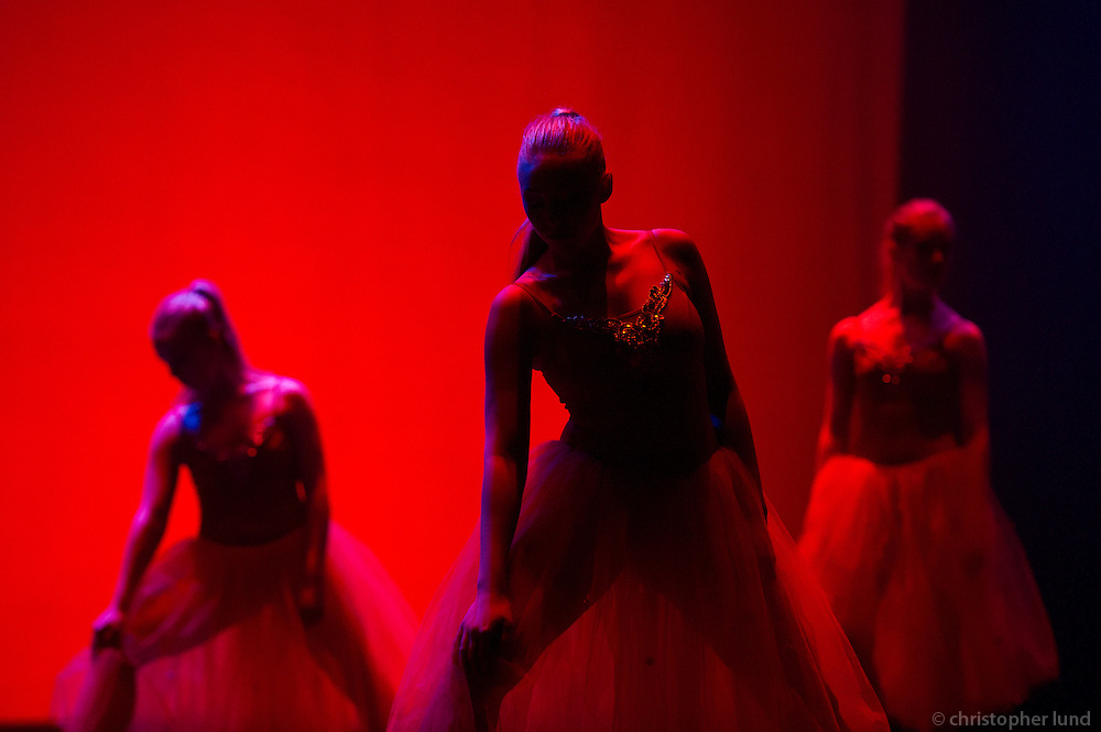 From the Ballet students show 15th of March 2011. Dancers from The Icelandic Classic Dance School. Frá nemendasýningu Klassíska Listdansskólans í Borgarleikhúsinu 15. mars. 2011.