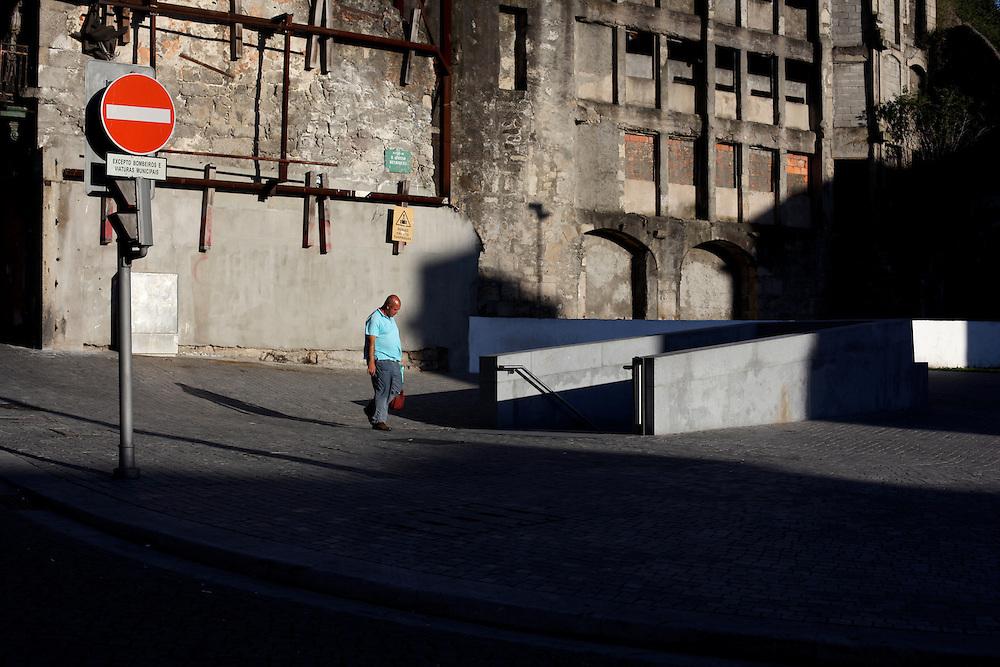 Porto shadows, Porto