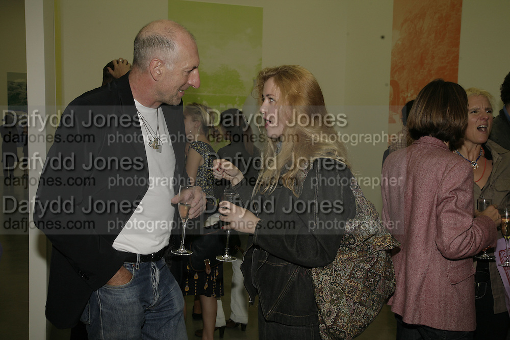 Richard Strange and Phillipa Horan, Johnnie Shand Kydd:  book launch party celebrate the publication of Crash.White Cube. Hoxton sq. London. 18 September 2006. ONE TIME USE ONLY - DO NOT ARCHIVE  © Copyright Photograph by Dafydd Jones 66 Stockwell Park Rd. London SW9 0DA Tel 020 7733 0108 www.dafjones.com