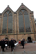 Prins Willem-Alexander bij de 70e herdenking bij van de slag in de Javazee in de Kloosterkerk , Den Haag.<br /> <br /> Prince Willem-Alexander at the 70th commemoration of the battle in the Java Sea in the Monastery Church, The Hague.<br /> <br /> Op de foto/ On the photo: Kloosterkerk
