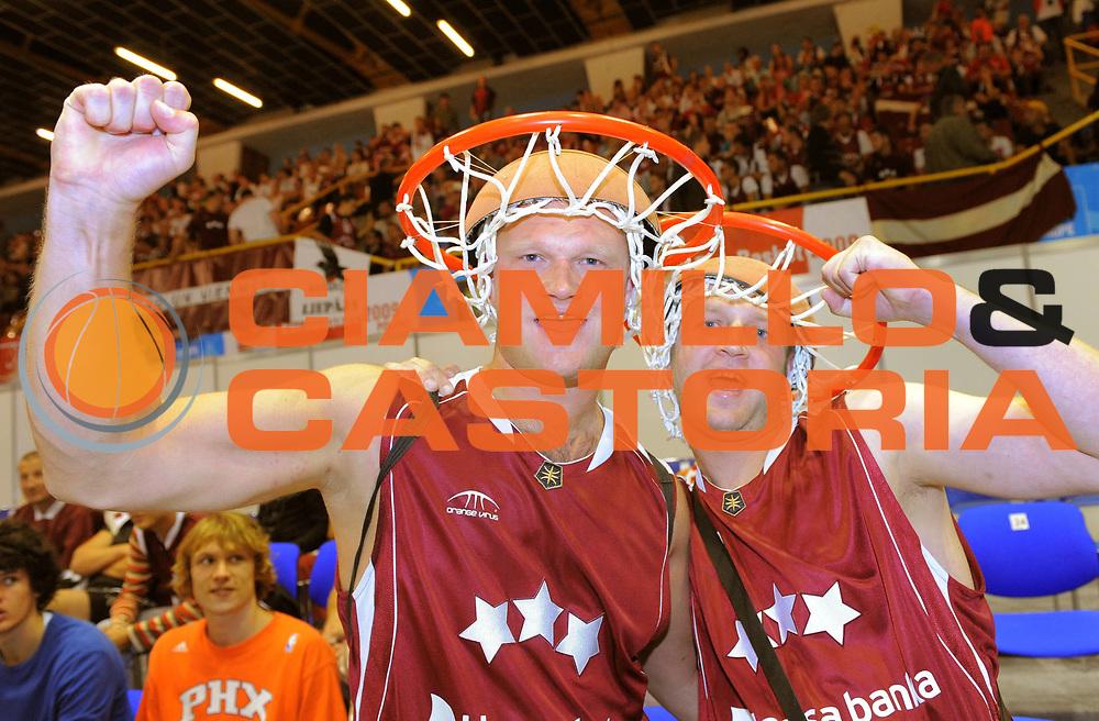 DESCRIZIONE : Gdansk Poland Polonia Eurobasket Men 2009 Preliminary Round Russia Lettonia Russia Latvia<br /> GIOCATORE : Tifosi Fan Supporters Lettonia Latvia<br /> SQUADRA : Lettonia Latvia<br /> EVENTO : Eurobasket Men 2009<br /> GARA : Russia Lettonia Russia Latvia<br /> DATA : 07/09/2009 <br /> CATEGORIA : tifosi fans supporters<br /> SPORT : Pallacanestro <br /> AUTORE : Agenzia Ciamillo-Castoria/T.Wiedensohler<br /> Galleria : Eurobasket Men 2009 <br /> Fotonotizia : Gdansk Poland Polonia Eurobasket Men 2009 Preliminary Round Russia Lettonia Russia Latvia<br /> Predefinita :