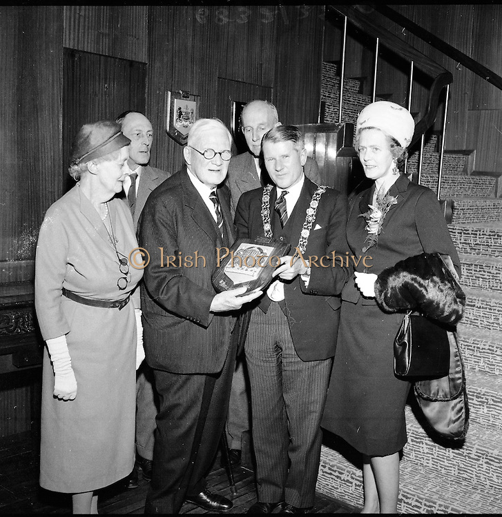 12/05/1961<br /> 05/12/1961<br /> 12 May 1961<br /> Plaque to presented to Lord Iveagh of the Guinness family by the Lord Mayor at the hospitality suite in Guinness, Dublin..