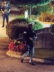 02.09.2016, Kaprun, AUT, Mann feuert in Kaprun mit Schrotflinte vom Balkon, im Bild Einsatz des Sondereinsatzkommandos Cobra. Ein offenbar alkoholisierte Mann hat am Freitagabend in Kaprun einen Cobra-Einsatz ausgelöst. Der Mann habe mit einer Schrotflinte immer wieder das Feuer vom Balkon seines Hauses eröffnet, teilte die Landespolizeidirektion Salzburg kurz vor Mitternacht auf APA-Anfrage mit. Dabei habe er zwei Fahrzeuge beschädigt, Menschen seien nicht verletzt worden // the special police force Cobra. 'A man has triggered a Cobra-use in Kaprun, on Friday night. The apparently intoxicated man had open fired with a shotgun repeatedly from the balcony of his home...' Informed the Police Directorate Salzburg, just before midnight. He had damaged two vehicles however no people where injured, Kaprun, Austria on 2016/09/03. EXPA Pictures © 2016, PhotoCredit: EXPA/ JFK