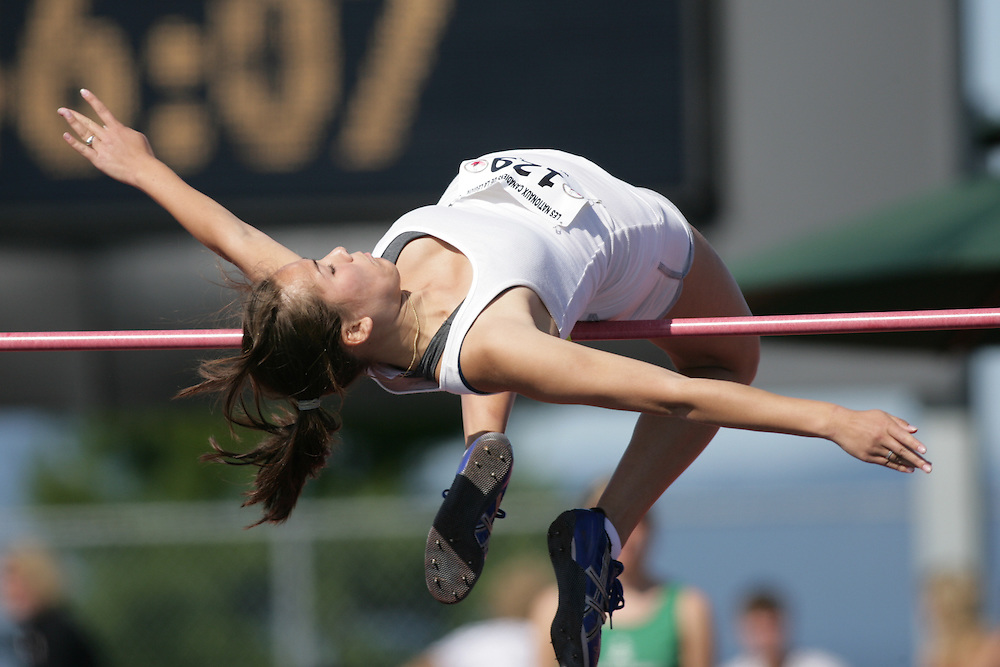(Sherbrooke, Quebec -- 8 Aug 2009)  Caitlin Lee of Kilomaitres DE Lasalle competes in girls under-17 (youth) high jump final at the 2009 Royal Canadian Legion National Youth track and field championships. Photograph copyright Sean Burges / Mundo Sport Images  2009.
