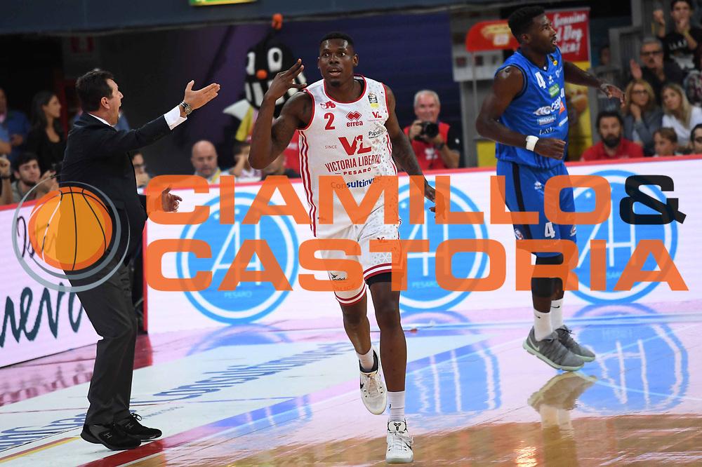 Emmanuel Omogbo<br /> VL Pesaro - Germani Leonessa Basket Brescia<br /> Lega Basket Serie A 2017/2018<br /> Pesaro, 01/10/2017<br /> Foto M.Ceretti / Ciamillo - Castoria