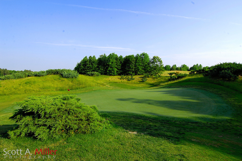 Williamsburg, Va. --  8th hole at Royal New Kent Golf Course in Williamsburg...                ©2007 Scott A. Miller