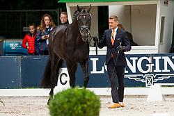Gal Edward, NED, Glock's Zonik<br /> Rotterdam - Europameisterschaft Dressur, Springen und Para-Dressur 2019<br /> Horse Inspection for Dressage horses<br /> Vet-Check für Dressurpferde<br /> 18. August 2019<br /> © www.sportfotos-lafrentz.de/Sharon Vandeput