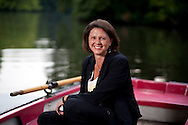 Deutschland, DEU,Berlin,25.08.09.Fototermin mit Bundesministerin fuer Ernaehrung, Landwirtschaft und Verbraucherschutz Ilse Aigner (CSU)