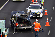 Auckland-Car rolls causing serious injury and closes airport motorway, Mangere