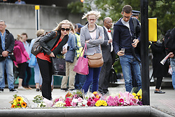 June 5, 2017 - London, London, UK - London, UK. City workers and residents leave flowers for the victims after a terror attack that killed 7 people on London Bridge and at Borough Market in central London. (Credit Image: © Tolga Akmen/London News Pictures via ZUMA Wire)