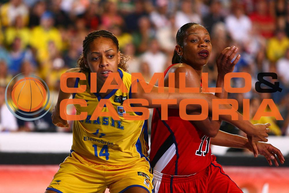 DESCRIZIONE : San Paolo Sao Paolo Brasile Brazil World Championship for Women 2006 Campionati Mondiali Donne Final 3-4 place USA-Brazil<br /> GIOCATORE : Cintia Silva dos Santos Thompson<br /> SQUADRA : USA Brazil Brasile<br /> EVENTO : San Paolo Sao Paolo Brasile Brazil World Championship for Women 2006 Campionati Mondiali Donne Final 3-4 place USA-Brazil<br /> GARA : USA Brazil USA Brasile<br /> DATA : 23/09/2006 <br /> CATEGORIA : <br /> SPORT : Pallacanestro <br /> AUTORE : Agenzia Ciamillo-Castoria/E.Castoria <br /> Galleria : world championship for women 2006<br /> Fotonotizia : San Paolo Sao Paolo Brasile Brazil World Championship for Women 2006 Campionati Mondiali Donne Final 3-4 place USA-Brazil<br /> Predefinita :