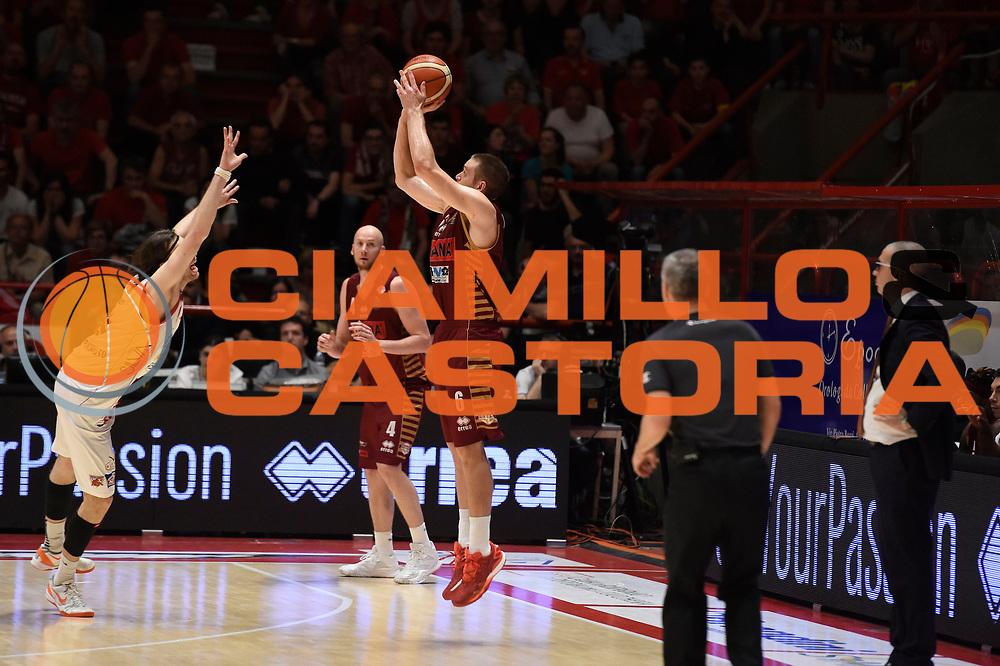 Michael Bramos<br /> The Flexx Pistoia Umana Reyer Venezia<br /> Lega Basket Serie A 2016/2017<br /> Playoff Quarti di finale Gara 4<br /> Pistoia 19/05/2017<br /> Foto Ciamillo-Castoria
