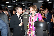 GORD RAY; GRAYSON PERRY, Wallpaper  Design Awards in partner ship with aSton Martin. The Edison, 223-231 Old Marylebone Road, London. 12 January 2011. . This year it is in partnership with Aston Martin.-DO NOT ARCHIVE-© Copyright Photograph by Dafydd Jones. 248 Clapham Rd. London SW9 0PZ. Tel 0207 820 0771. www.dafjones.com.