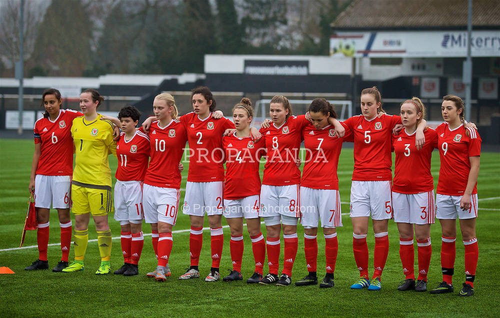 MERTHYR, WALES - Tuesday, February 14, 2017: Wales' players line up before a Women's Under-17's International Friendly match against Hungary at Penydarren Park. L-R: Amina Vine, goalkeeper Deanna Lewis, Emily Jones, Elise Hughes, Thierry-Jo Gauvain, Bronwen Thomas, Alice Griffiths, Grace Horrell, Anna Morphet, Shannon Dukes, Cassia Pike. (Pic by Laura Malkin/Propaganda)