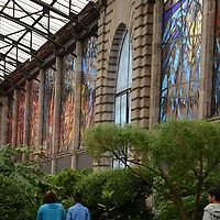 Toluca, México. El Jardín Botanico Cosmovitral celebro su 35 aniversario con conferencias y la septima exposición Pasión por el Bonsai, invitando al publico a visitar este maravilloso lugar.  Agencia MVT / José Hernández