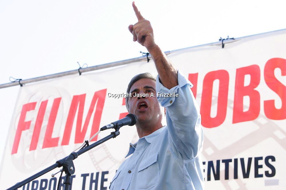 Mayor Bill Saffo speaks during a pro film incentives rally Sunday May 4, 2014 in Wilmington, N.C. (Jason A. Frizzelle)
