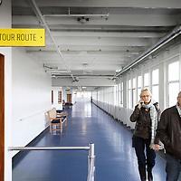 Nederland, Rotterdam , 18 november 2010..Beleef een unieke ervaring aan boord van De Rotterdam. Voor gewoon een kopje koffie, een zakenlunch, simpel maar heel lekker eten of juist een uitgebreid diner in de 'huiskamer' van het voormalige vlaggenschip van de Holland America Lijn. Daarna nog een lekkere cocktail in de Ocean Bar waarna het avontuur verder gaat in een van de 254 hotelkamers....Bezoekers kunnen met headset de geschiedenis van het schip beluisteren en het schip verkennen..The Rotterdam, the former flagship of Holland America Line is now a luxury hotel