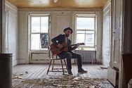 Seth Breitman, In a broken down house