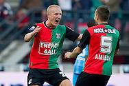 27-08-2011: Voetbal:NEC Nijmegen:Heracles Almelo:Niijmegen<br /> Foto: Geert van Erven<br /> NEC's Nick VAN DER VELDEN viert zijn doelpunt met NEC's Remy AMIEUX