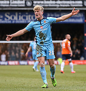 Cameron McGeehan of Cambridge United shows his frustration during the Sky Bet League 2 match at Kenilworth Road, Luton<br /> Picture by David Horn/Focus Images Ltd +44 7545 970036<br /> 31/01/2015