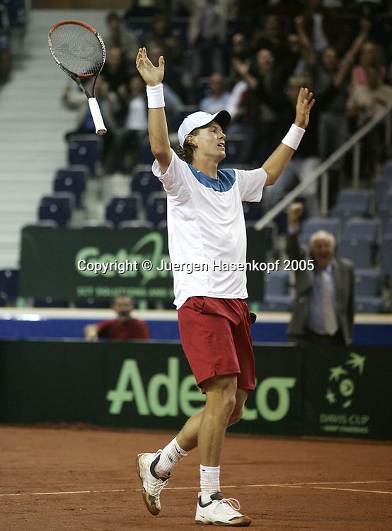 TOMAS BERDYCH (CZE), Davis CUP 2005, Czech Rep.-GER, Liberec<br /> <br /> Tennis - Davis Cup 2005 - ITF Davis Cup -  Arena Tipsport - Liberec -  - Czech Republic - 23 September 2005. <br /> &copy; Juergen Hasenkopf