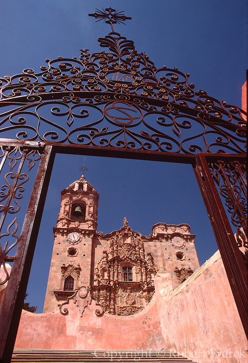 MEXICO, GUANAJUATO La Valenciana Church built in 1765