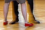 """Wien/Oesterreich, AUT, 21.12.2007: Paar lernt den Wiener Walzer in der beruehmten Tanzschule Elmayer in der Braeunerstraße im Wiener Stadtzentrum.<br /> <br /> Vienna/Austria, AUT, 21.12.2007: Couple learning the 'Viennese Waltz"""" at the Elmayer Dancing School in the city center of Vienna."""