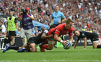 Rugby Union - 2019 Gallagher Premiership Final - Exeter Chiefs vs Saracens<br /> <br /> Saracens' Liam Williams scores their third try , at Twickenham Stadium.  <br /> <br /> COLORSPORT / ALAN WALTER