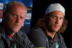 17.08.2010, Villa Verde, Bremen, GER, PK zum CL Quallifikationsspiel Werder Bremen vs Sampdoria Genua im Bild  Thomas Schaaf ( Werder  - Trainer  COACH)  und Torsten Frings ( Werder #22 )  EXPA Pictures © 2010, PhotoCredit: EXPA/ nph/  Kokenge+++++ ATTENTION - OUT OF GER +++++ / SPORTIDA PHOTO AGENCY