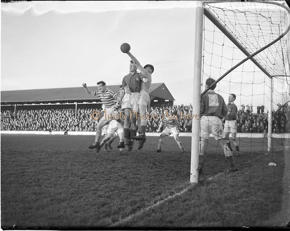 25/01/1953.01/25/1953.25 January 1953.League of Ireland at Milltown Park, Limerick City v Shamrock Rovers.