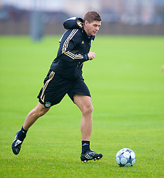LIVERPOOL, ENGLAND - Tuesday, September 30, 2008: Liverpool's captain Steven Gerrard MBE training at Melwood ahead of the UEFA Champions League Group D match against PSV Eindhoven. (Photo by David Rawcliffe/Propaganda)