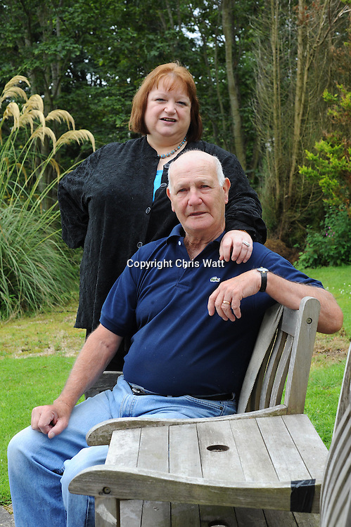 Picture by Chris Watt.  07887 554 193.<br /> <br /> fml Meg Henderson with her husband Robert who suffers from Asbestosis.