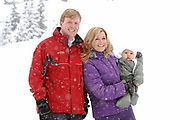 The winter sport photograph session of his royal highness the prince of oranje, her royal highness princess M&aacute;xima, her royal highness princess Catharina-Amalia and her royal highness princess Alexia during their holiday in Lech.<br /> <br /> <br /> De wintersportfotosessie van Zijne Koninklijke Hoogheid de Prins van Oranje, Hare Koninklijke Hoogheid Prinses M&aacute;xima, Hare Koninklijke Hoogheid Prinses Catharina-Amalia en Hare Koninklijke Hoogheid Prinses Alexia tijdens hun vakantie in Lech.<br /> <br /> Op de foto / On the Photo:<br /> <br /> <br /> <br /> Willem Alexander , M&aacute;xima, Amalia en Alexia