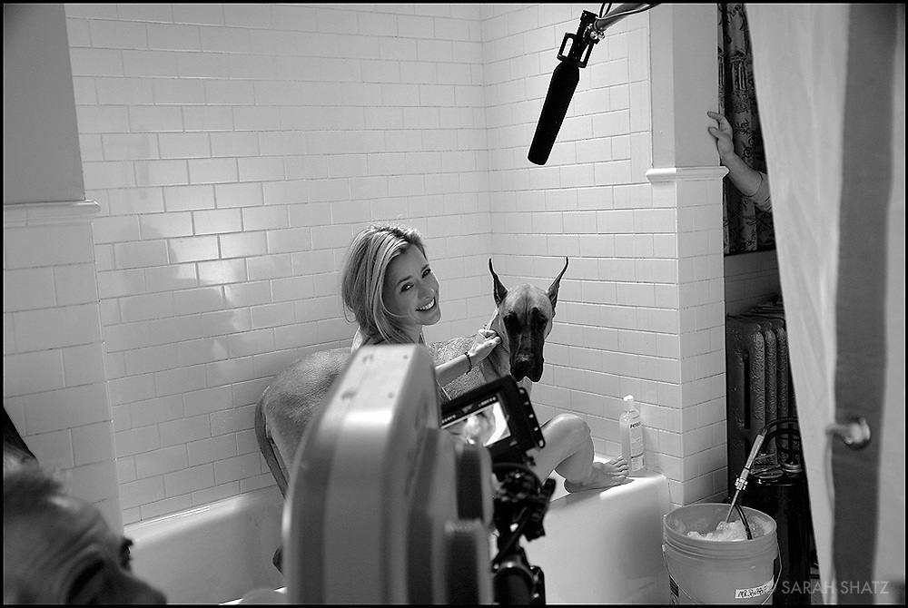 "Tea Leoni on the set of ""Ghost Town"" (Dir: David Koepp, 2008)"