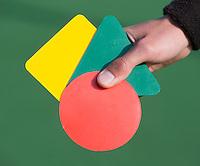 AMSTELVEEN - ILLUSTRATIE . Kaarten (rood, geel, groen) Gebaren Scheidsrechter bij het Hockey. COPYRIGHT KOEN SUYK
