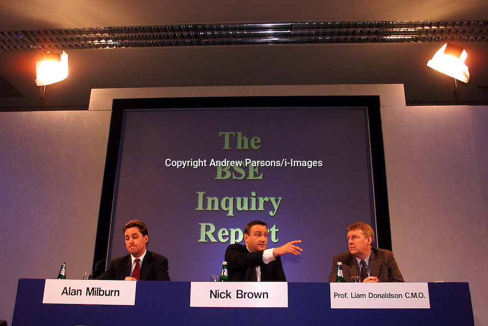 Left to right: Alan Milburn, Nick Brown, Prof. Liam Donaldson C.M. for the Human BSE Foundation, during the BSE Inquiry, family press conference, August 26, 2000. Photo by Andrew Parsons/i-Images..