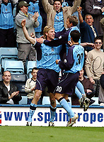 Fotball<br /> Picture: Henry Browne, Digitalsport.<br /> Date: 10/04/2004.<br /> Coventry City v Millwall Nationwide Division One.<br /> <br /> Calum Davenport is congratulated after scoring Cov's second goal.<br /> NORWAY ONLY