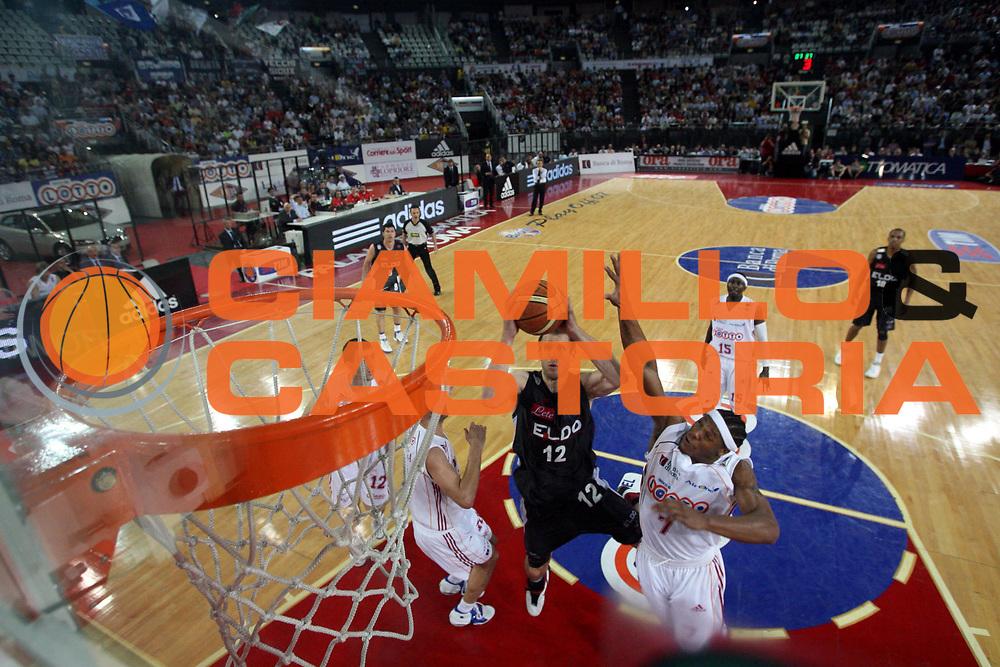 DESCRIZIONE : Roma Lega A1 2006-07 Playoff Quarti di Finale Gara 3 Lottomatica Virtus Roma Eldo Napoli<br />GIOCATORE : Richard Mason Rocca<br />SQUADRA : Eldo Napoli<br />EVENTO : Campionato Lega A1 2006-2007 Playoff Quarti di Finale Gara 3 <br />GARA : Lottomatica Virtus Roma Eldo Napoli<br />DATA : 22/05/2007 <br />CATEGORIA : Special Tiro<br />SPORT : Pallacanestro <br />AUTORE : Agenzia Ciamillo-Castoria/G.Ciamillo