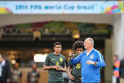 Técnico Luiz Felipe Scolari durante treino da Seleção Brasileira, em São Paulo, SP. A seleção enfrenta a Croácia amanhã na abertura da Copa do Mundo 2014. FOTO: Jefferson Bernardes