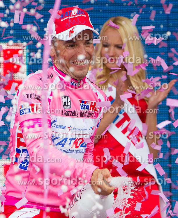 22.05.2012, Pfalzen, ITA, Giro d' Italia 2012, 16. Etappe, Limone sul Garda - Pfalzen, im Bild rosa Trikot Oliver Joaquin Rodriguez (ESP/ Katusha Team) // overall standings an time Oliver Joaquin Rodriguez (ESP/ Katusha Team)  during Giro d' Italia 2012 at Stage 16 imone sul Garda - Pfalzen, at finish, Pfalzen, Italy on 2012/05/22. EXPA Pictures © 2012, PhotoCredit: EXPA/ J. Groder