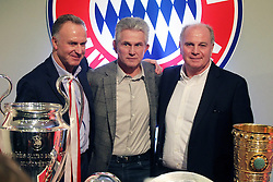 04.06.2013, Alianz Arena, Muenchen, GER, 1. FBL, FC Bayern Muenchen, Pressekonferenz, im Bild, Jupp Heynckes verabschiedet sich bei FC Bayern und bei Uli Hoeness und K.H Rummenigge // during a presss conference of FC Bayern Munich at the Alianz Arena, Munich, Germany on 2013/06/04. EXPA Pictures &copy; 2013, PhotoCredit: EXPA/ Eibner/ Ruiz<br /> <br /> ***** ATTENTION - OUT OF GER *****
