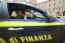 GUARDIA DI FINANZAGUARDIA DI FINANZA IN PIAZZA MUNICIPALE<br /> GUARDIA DI FINANZA
