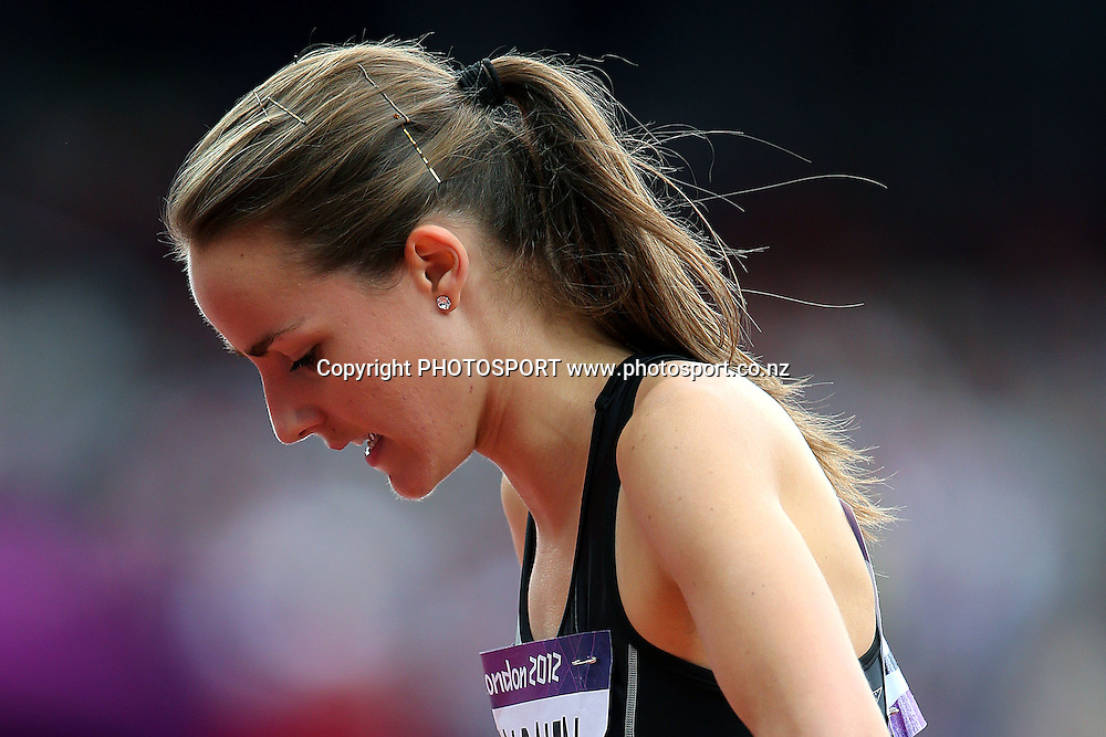 New Zealand's Lucy Van Dalen dejected. Track and Field, Women's 1500m Heat at Olympic Stadium, London, United Kingdom. Monday 6th August 2012. Photo: Anthony Au-Yeung / photosport.co.nz